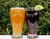 Mr and Mrs Glasses, Mr and Mrs Mugs, Mr and Mrs Gift set, Mr and Mrs Cups, Gift for Newlyweds, Wedding Gifts for Couple
