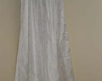 Egyptian Fusion Bellydance White 5 Yard Circle Skirt- 023