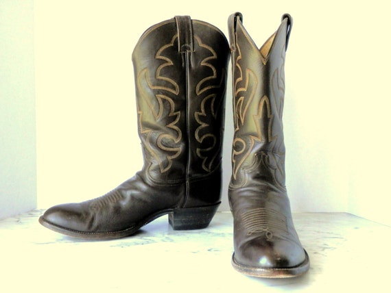 Justin Cowboy Boots // Chocolate Brown Leather (11 1/2 D)
