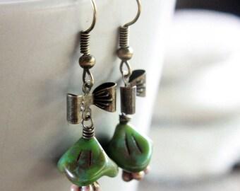 Green Flower-Shaped Czech Glass Bead Earrings - A.298