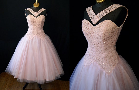 Perfection in Pink 1950's  Vintage Lace & Tulle Party Prom Wedding Dress Rockabilly VLV Size  Small