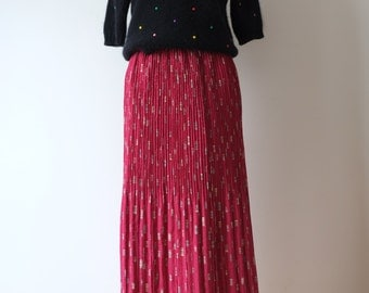 Raspberry Japanese vintage skirt with pleats, xs - small