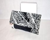EMILIO PUCCI Vintage Velvet Clutch Black and White MOD Handbag - Authentic -