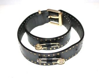 GIANNI VERSACE Versus Vintage Medusa Head Safety Pin Belt Studded Black Leather Size 28/70 - AUTHENTIC -