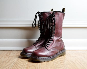 Shoes Boots Combat Lace Up Oxford  / Red Leather Oxblood / Tall / Doc Dr Martens Like New / Grunge 90s Vintage / Size 9.5 W 8 M Euro 41