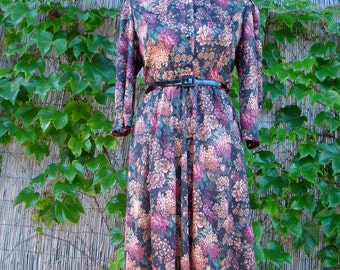 Vintage 80s / Tabby / Floral and Roses /Puffed Sleeves / Day Dress / MEDIUM