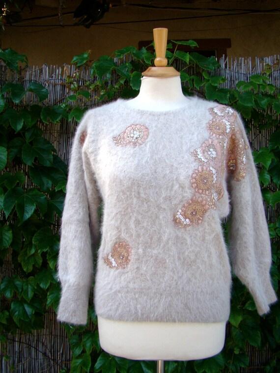 Vintage 50s / Taupe / Floral / Applique / Sequin / Angora / Key Hole / Sweater / Medium