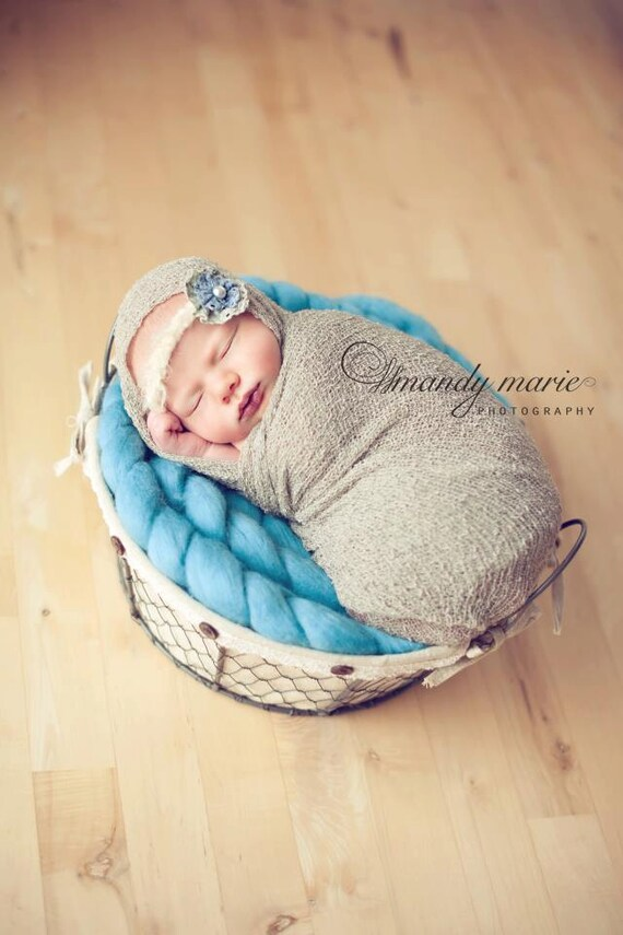 Beautiful Merino Wool Posing Braid for Baby, Photography Prop in Blue Horizon