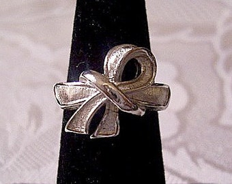 Bow Tied Ring Silver Tone Vintage Avon 1970 Brushed Size Small Adjustable