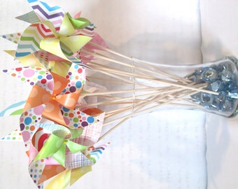 Paper Pinwheels Rainbow Favors Birthday Party Favors Rainbow Pinwheels Baby Shower Table Centerpiece Photo Prop Kid's Activity Kid's Toy