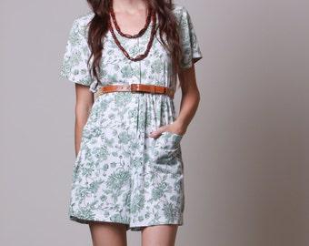 Large - 80s Skort - Vintage Floral Shorts Romper - Green and White Jumper with Pockets