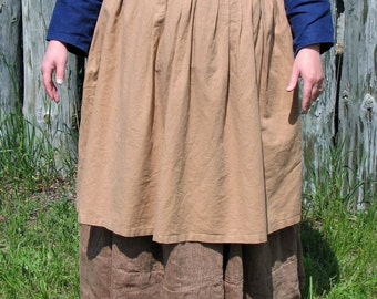 Woman's Colored Cotton Apron - Colonial