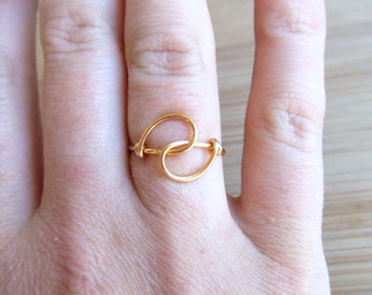 Holding Hands Friendship Ring, Gold Filled, Silver or Copper, Bridesmaids Gift Favor, Wire Ring, Simple Ring, Dainty Ring, Gifts Under 10