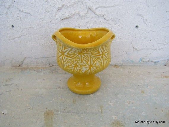 McCoy Pottery Yellow Starburst Pattern Footed Planter