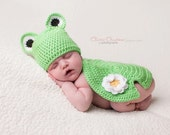 Crochet Newborn Frog and Lilypad Shell and Hat Set Photo Prop - MADE TO ORDER