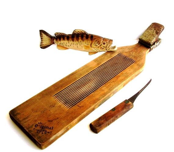 Vintage fish scaler nautical wooden fillet board 1930s for Fish fillet board