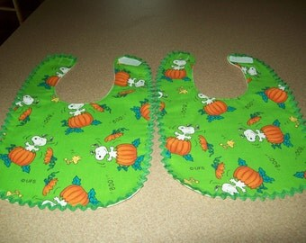 Baby Bib Halloween Snoopy & Pumpkins on Green, Ready to Ship