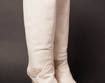 White High Heel Boots 1980s Gloria Vanderbilt 7M