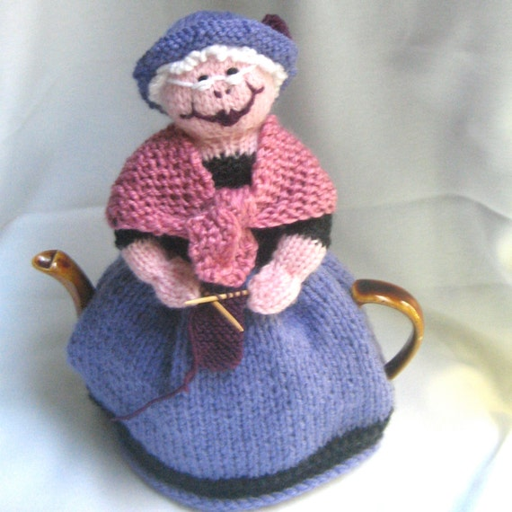 Free Patterns For Loom Knitting : Grandma and Her Cat Tea Cosy KNITTING PATTERN by RianAnderson