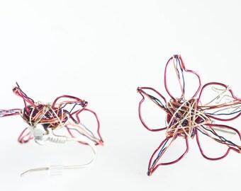 Daisy earrings Flower earrings  Fuchsia earrings Wire earrings Ear pins Dainty earrings Summer gift for her Bridesmaid gift Modern hippie