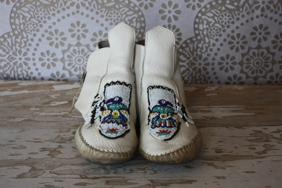 Vintage Guilmox White Leather Moccasins Ankle By Pursuingandie