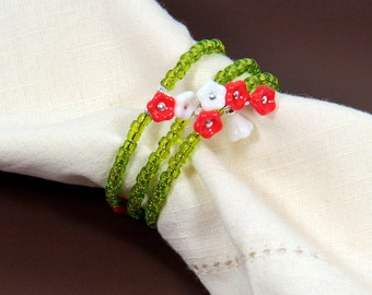 Beaded Napkin Rings Set of Four Flower Garden Green White Coral Flowers