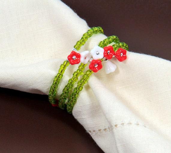 Beaded Napkin Rings Set of Four Flower Garden Green White Coral Flowers