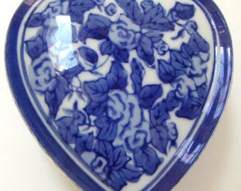 Vintage Flow Blue Heart Shaped Porcelain Box/Jewelry. Keepsake,Valentine's Day