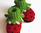 "Knitted  baby booties ""Ladybug"", red baby girls shoes / size 0-3M"