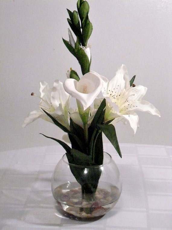 Calla lily and tiger lilies centerpiece acrylic water