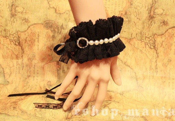 Gothic Lolita Black lace white pearl bead BRACELET Costume Christmas Party