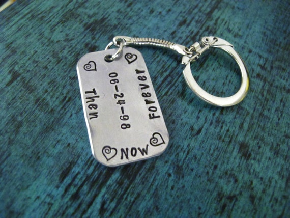 Keychain For Wedding Gift : Personalized Keychain, Custom Wedding/Anniverary Gift, Gift for Bride ...