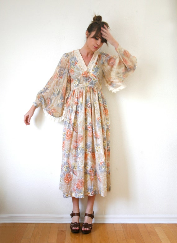 Find butterfly sleeve maxi dress at ShopStyle. Shop the latest collection of butterfly sleeve maxi dress from the most popular stores - all in one.