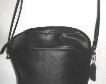 Vintage COACH PURSE Chic Black Shoulder Bucket Bag From The '70's