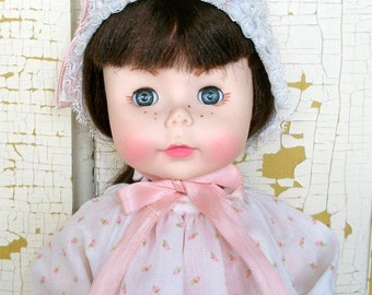 Vintage Effanbee Suzie Sunshine Doll 1978 With Original Box Wearing Her Original White with Pink Flowered Nightgown and Bonnet