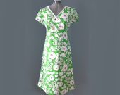 Green cotton sundress - handmade 1970's floral print, lace trim M S empire waist neon poppy