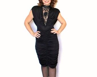 Vintage Little Black Dress LBD. Slinky Cocktail Dress in Black. 80s Mad Men Fashion. Lace Dress. Beads Dress. Holiday dress