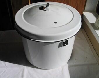 Large Graniteware Stock Pot Flower Pot Laundary Room Detergent Holder without Handle