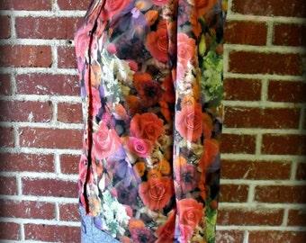 SALE 90's Floral Photo Button Up Blouse Sml/Med