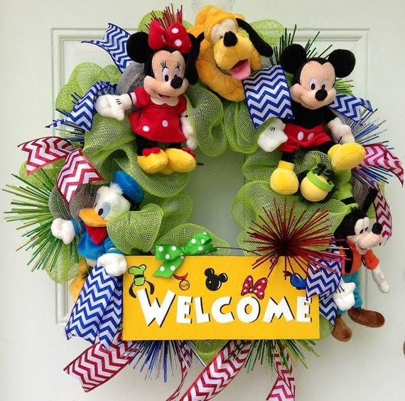 Mickey mouse welcome wreath for Adornos navidenos mickey mouse