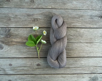 Linen Yarn - Natural dark grey linen thread