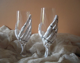 Day of the Dead Skeleton Champagne Glasses/ Wedding Toast Glasses /Zombie/Skeleton/ Sugar Skull/ Wedding Champagne Flutes/Halloween Wedding