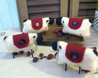 Set of 4 Primitive Sheep with Felt Blanket