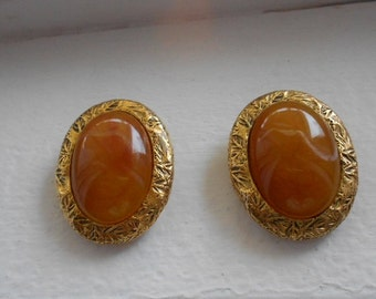 Vintage earrings Classic stone and metal Liz Claiborne bold womanly and stunning vintage