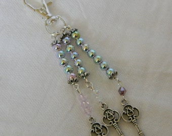 Kitschy Keys Iridescent Purse Dangle (D01)