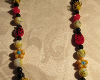 Bumble Bee and Lady Bug Glass Beaded Necklace with Pendant (C129)