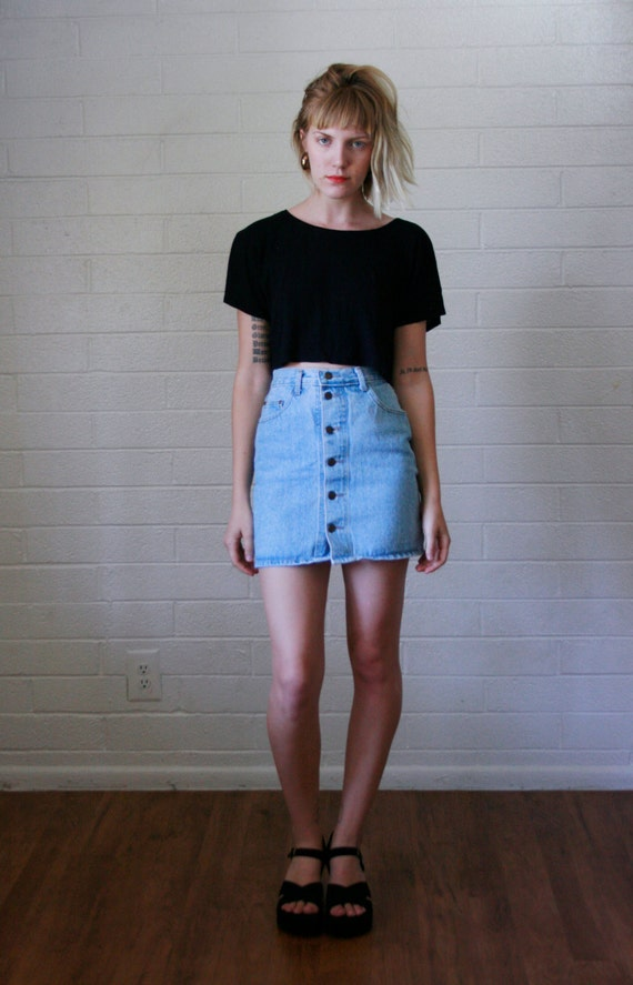 good high waisted jean skirt outfit dress