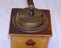 Antique Stahlmahlwerk Peter Dienes Mokka Coffee Grinder w Bakelite Knobs