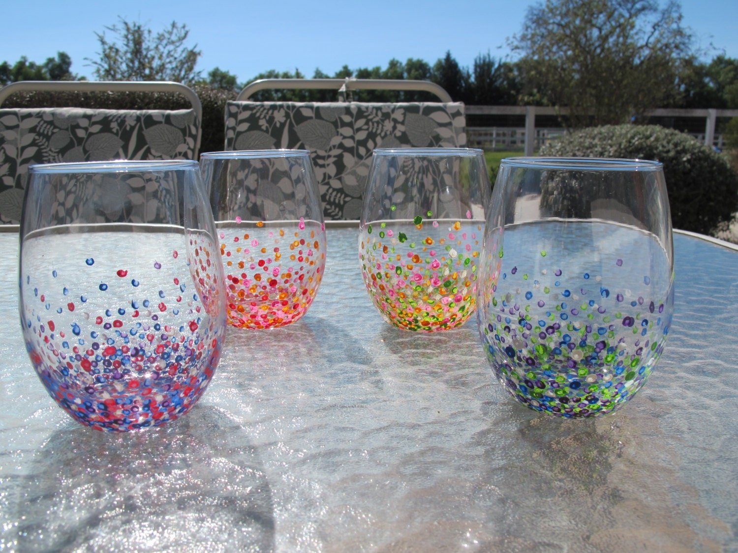 Hand painted colorful dotted wine glasses set of 4 stemless for Painted stemless wine glasses