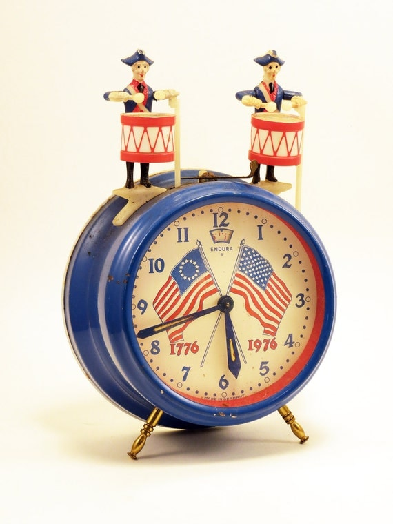 1976 Bicentennial Novelty Wind Up Alarm Clock Two Animated